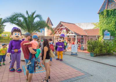 Bereits im Eingangsbereich tauchen die Besucher ein in die Welt von Fantasiana