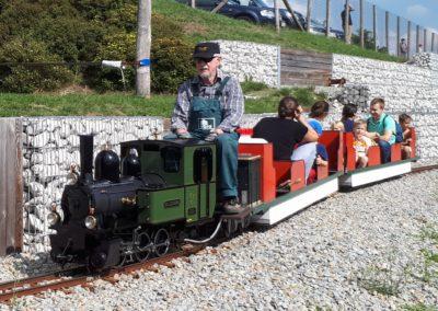 Hier ist der Zug vom Obra Kinderland zu sehen