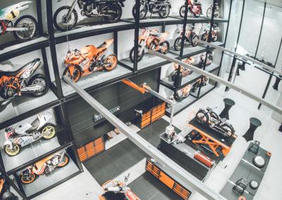 Im Museum von KTM treffen Generationen aufeinander