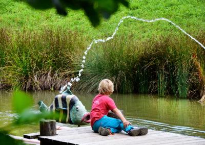 Der See in der Zotter Erlebniswelt. Credit: Zotter Schokoladen