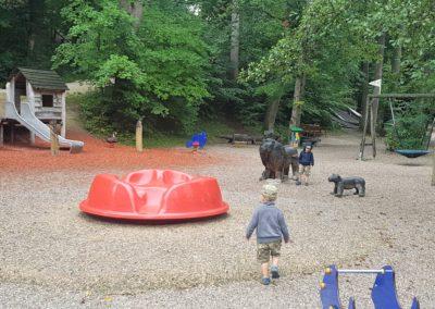Der Spielplatz im Tierpark Haag hat sowohl für große als auch kleine Kinder was zu bieten.