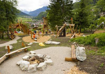 Dieser tolle Spielplatz befindet sich in Tirol, in Ötz