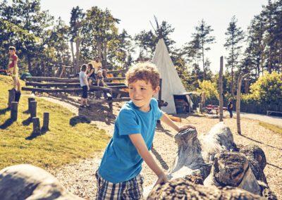 Spiel und Spaß im Abenteuergarten