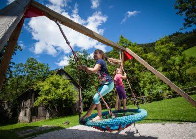 Spiel und Spaß am Themenweg Mendlingtal bei der Jausenstation