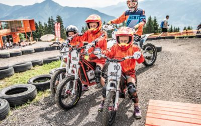 E-Motocross-Abenteuer für die ganze Familie